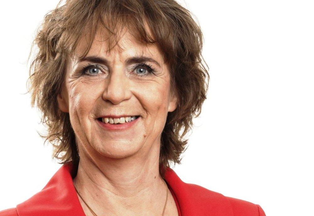 Jitka Chalánková (nezávislá) - obvod Prostějov (č. 62): S téměř 60 procenty porazila dosavadní senátorku Boženu Sekaninovou. Chalánková je lékařka, v letech 2015 až 2017 místopředsedkyně TOP 09, v letech 2010 až 2017 poslankyně, v letech 2004 až 2014 zastupitelka Olomouckého kraje. Letos v červnu z TOP 09 vystoupila.