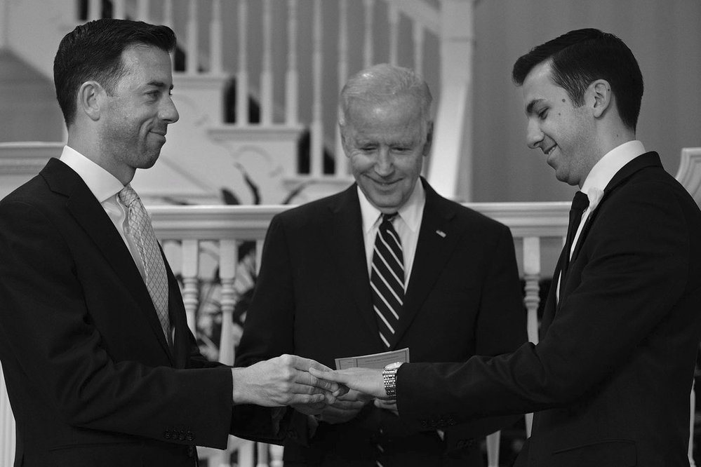 """Viceprezident USA pod palbou církve: Biden """"oddal"""" gay pár, biskupové mu vyčinili"""