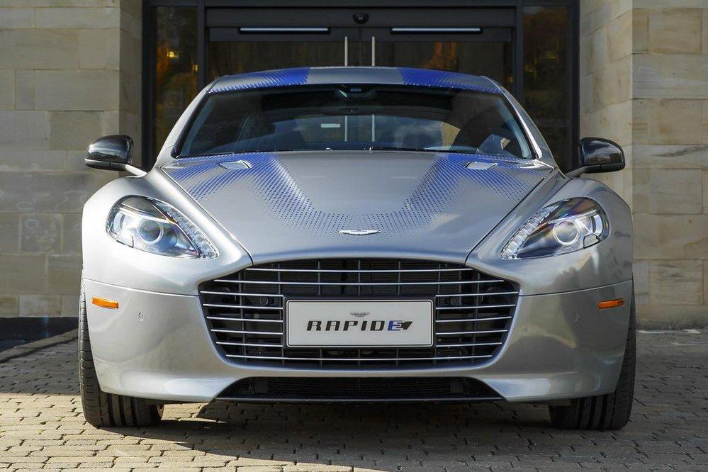 Aston Martin ukázal elektrický koncept RapidE