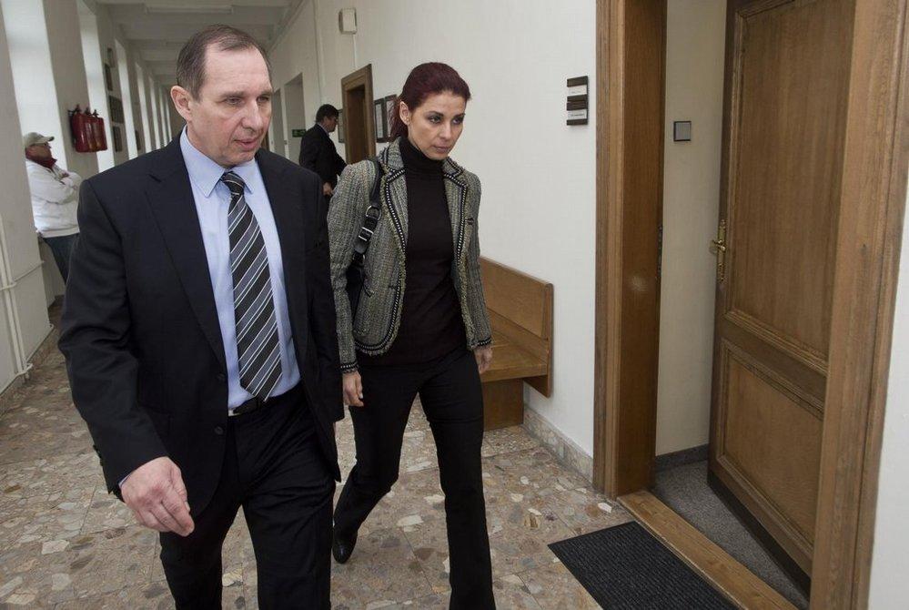 Obžalovaní Petr Kott a Kateřina Pancová u soudu v roce 2016.