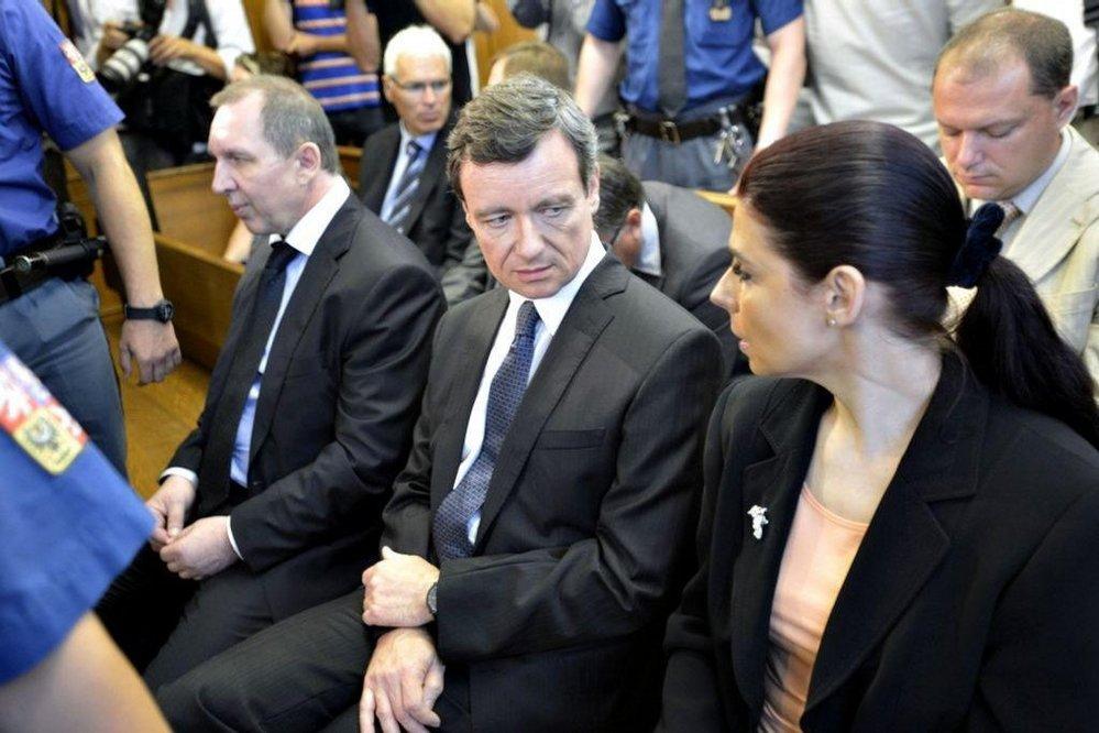 Petr Kott, David Rath a Kateřina Pancová na lavici obžalovaných v roce 2016.