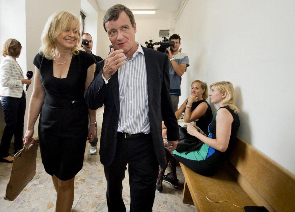 Exhejtman David Rath s advokátkou Marcelou Ondřejovou (2016).