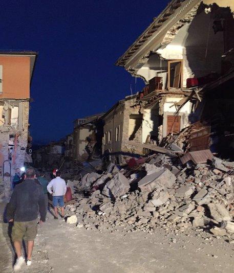 Ničivé zemětřesení zasáhlo Itálii