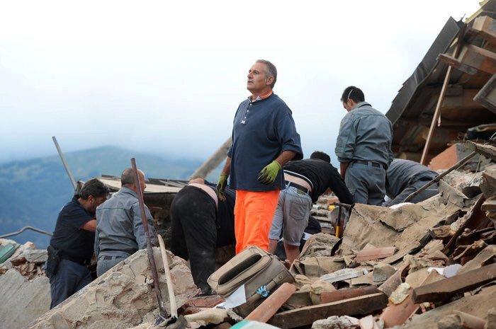Zemětřesení v Itálii zabíjelo