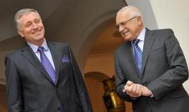 Složité vztahy měl Topolánek i s Václavem Klausem, kterého nahradil v čele ODS.