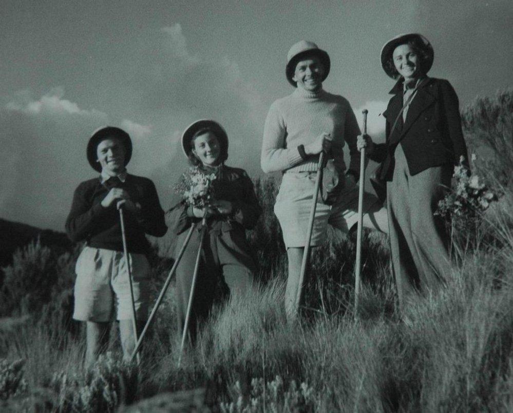 Zleva Jiří Hanzelka, Helena Šťastná, Miroslav Zikmund a Ruth Lanyová