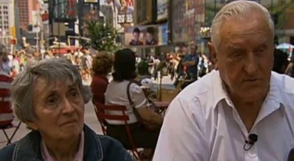 Setkání po letech: Greta Friedmanová a George Mendonsa.
