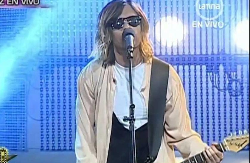 Ramiro Saavedra zpívá a vypadá přesně jako Kurt Cobain.