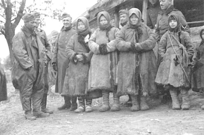 Fotky Němců za druhé světové války v obsazené části Sovětského svazu.