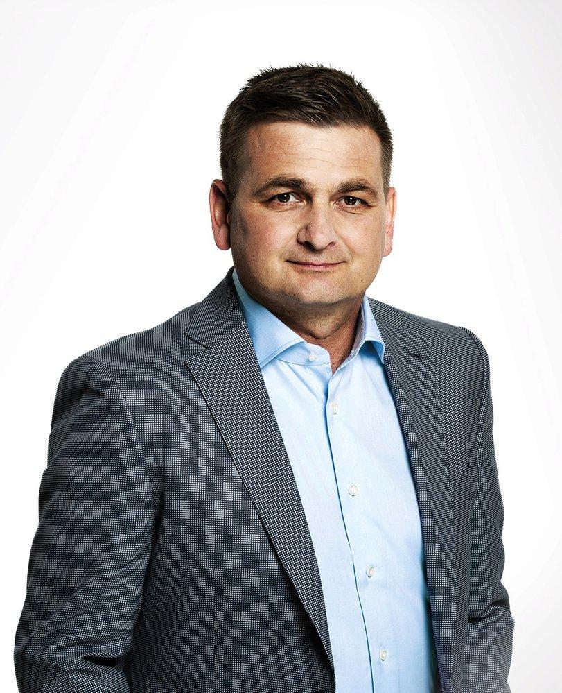 Martin Červíček (ODS) - obvod Náchod (č. 47): někdejší policejní prezident, zastupitel obce Vysokov a náměstek královéhradeckého hejtmana. Ve druhém kole porazil předsedu KDU-ČSL Pavla Bělobrádka, když získal více než 56 procent.
