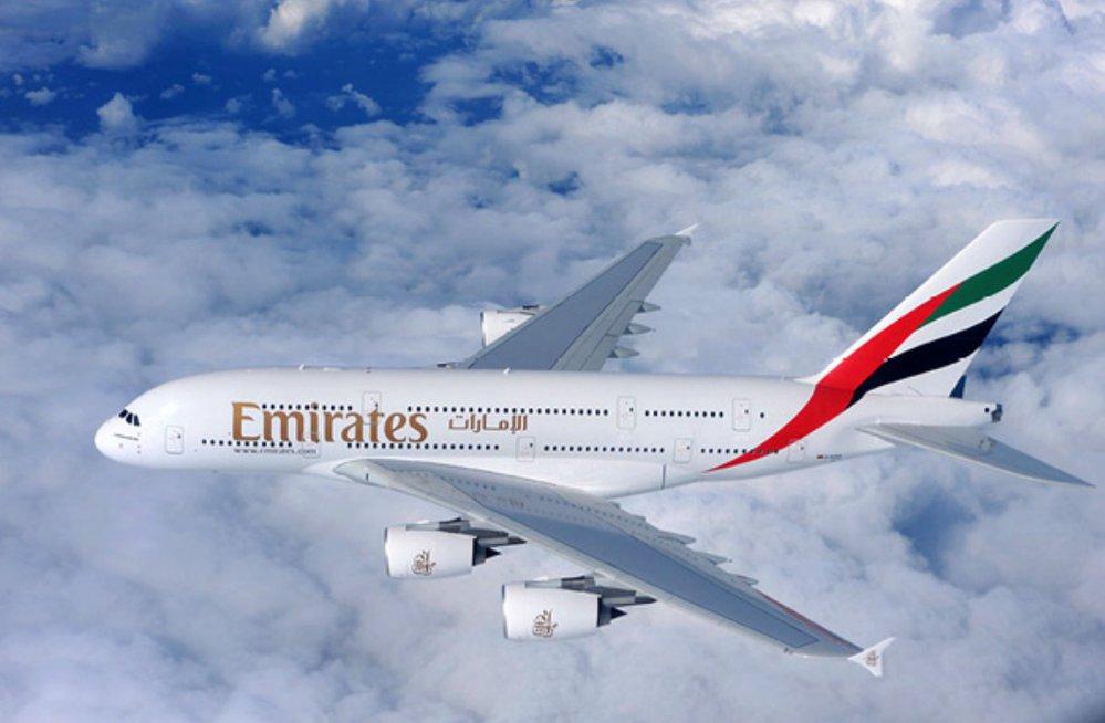Airbus létá na pravidelné lince Praha-Dubaj. Do Česka přilétá v 13:30 a odlétá v 15:55.