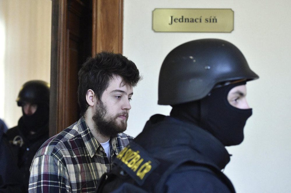 Dahlgren za mřížemi velmi sešel