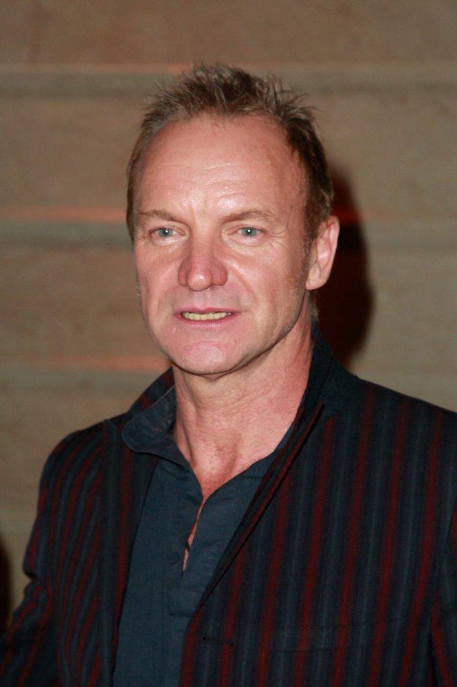 Sting má problém s policii! Na zpěvákových vinicích mají dřív ilegální uprchlíci.