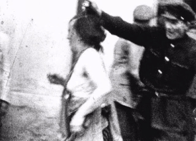 Šokující historické fotografie z pogromu na Židy v ukrajinském Lvově. Za samostatnost Ukrajiny bojovali Banderovci především násilím na civilním obyvatelstvu