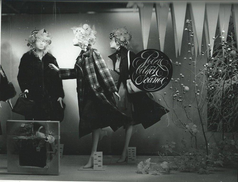 Obchodní dům Kotva o Vánocích 1976.