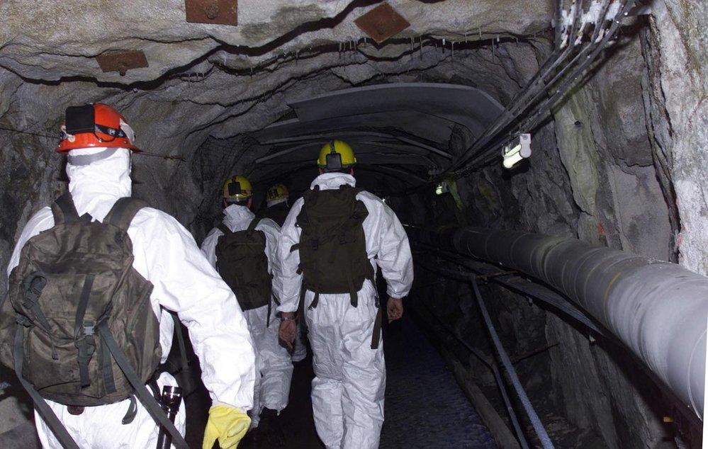 Záchranáři směřují k místě neštěstí