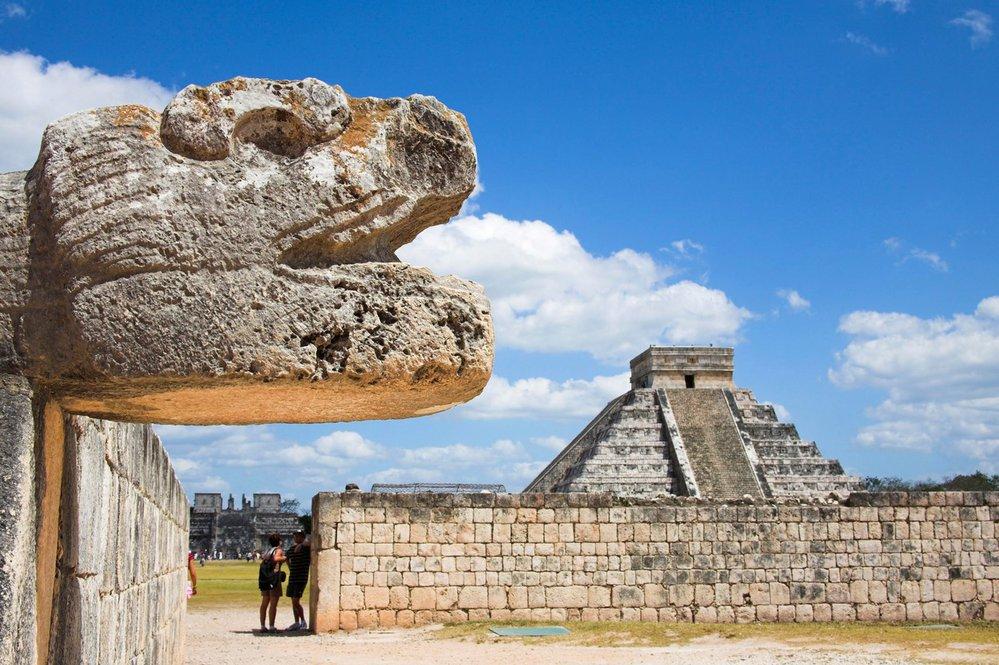 Kukulkánova pyramida v Mexiku