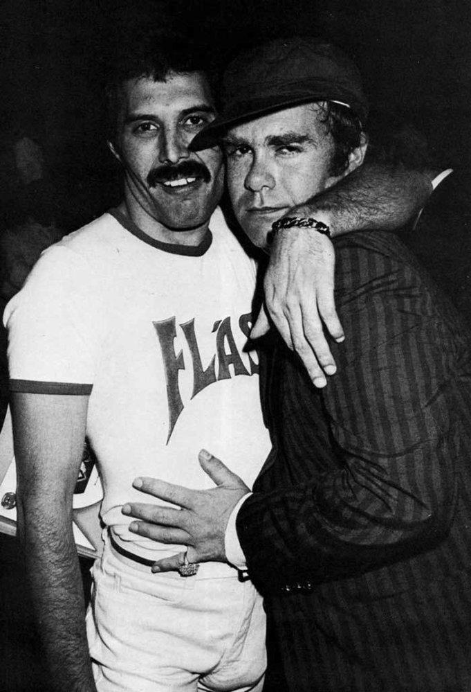 Neznámé fotky ze života Freddieho Mercuryho: S Eltonem Johnem