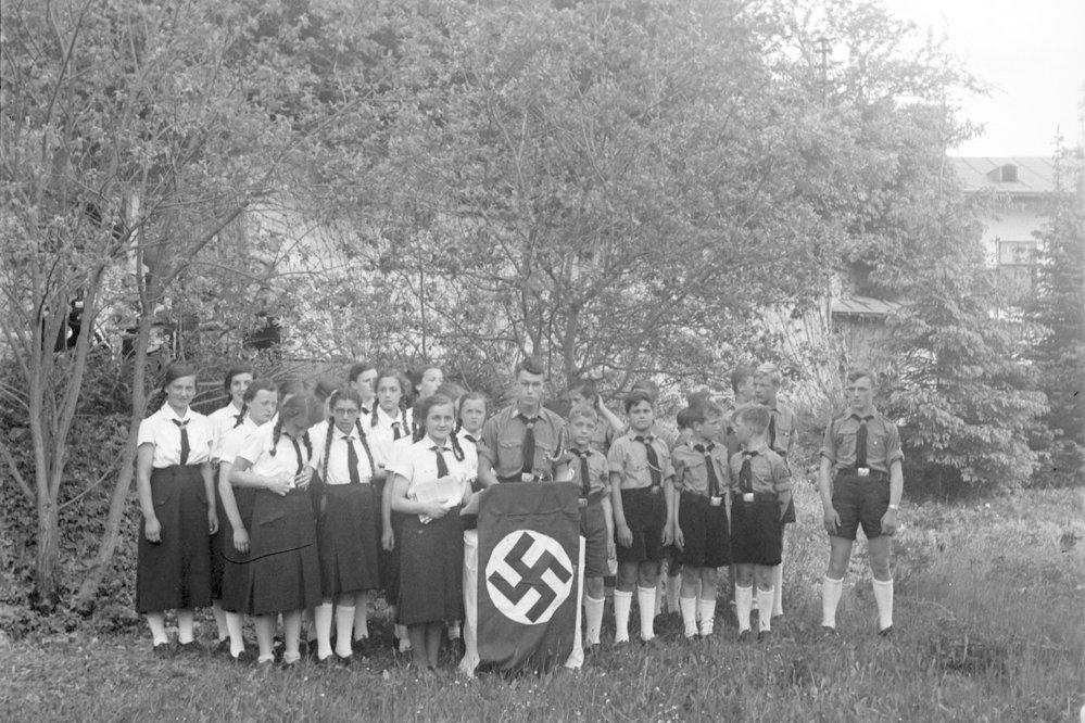 1. prosince 1936 se stalo členství v Hitlerově mládeži povinným.