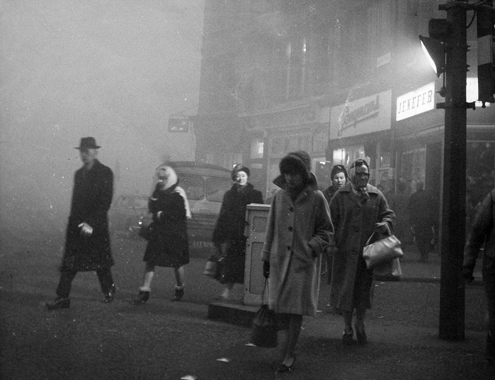 Velký smog v Londýně v roce 1952 si vyžádal 12 tisíc obětí.