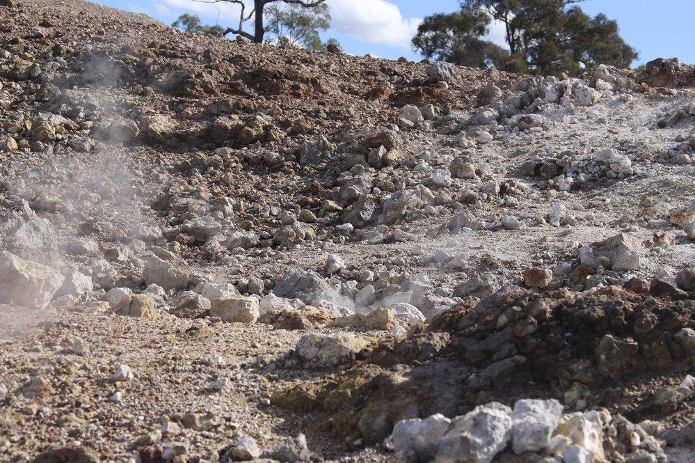 Požár pod australskou horou Burning Mountain podle vědců hoří už 6000 let.