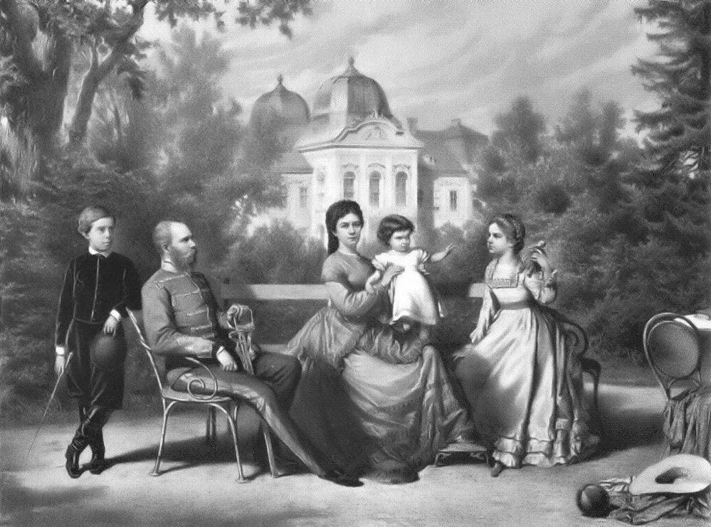 Císař František Josef I. s rodinou. I panovník měl volné chvilky, které trávil s rodinou.