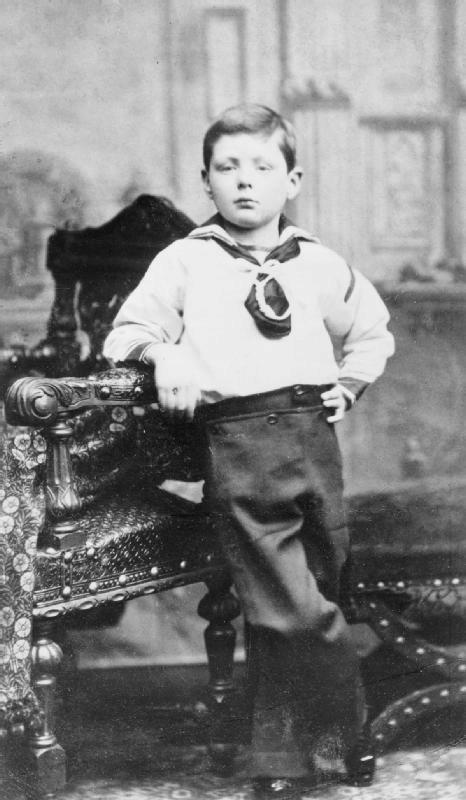 Někdejší britský premiér Winston Churchill v dětských letech.