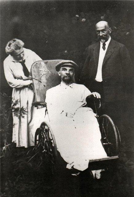 Lenin v roce 1923 po prodělané mozkové mrtvici.