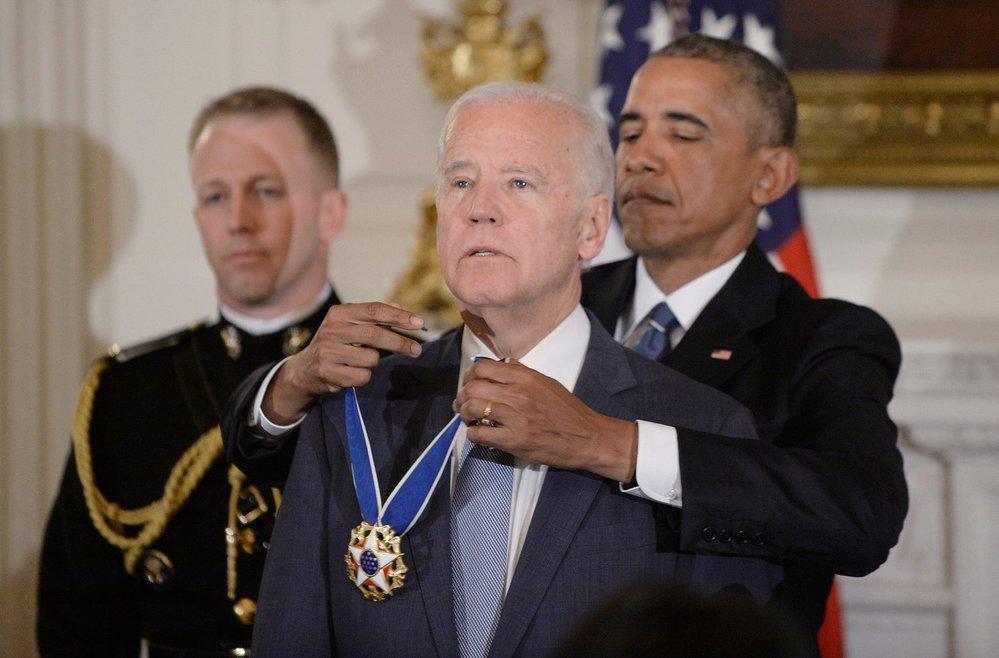 Barack Obama ocenil svého viceprezidenta Joea Bidena Prezidentskou medailí svobody