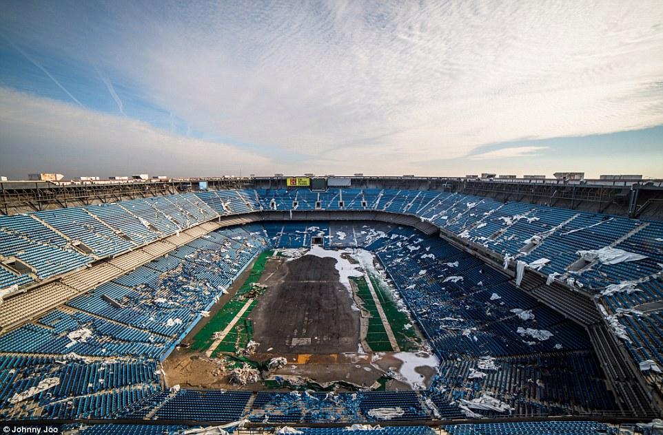 Stadion Silverdome nedaleko Detroitu chátrá a čeká na demolici