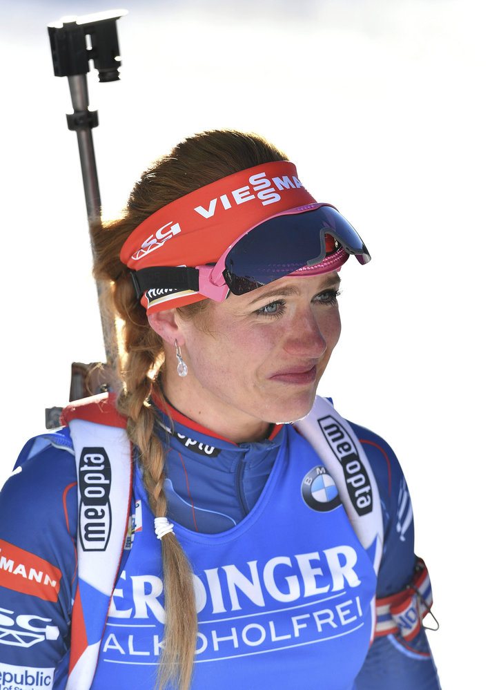 Dojatá Gabriela Koukalová v cíli po ovládnutém sprintu