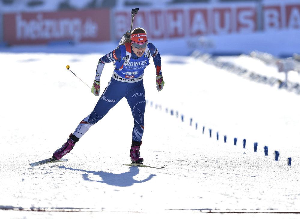 Gabriela Koukalová si na MS v Hochfilzenu doslova doletěla pro zlatou medaili