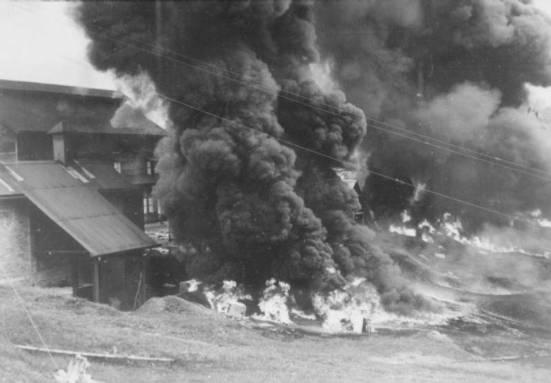 """Zajatce nebereme. 15. února padla """"nedobytná pevnost"""" Singapur. Britová utrpěli nejpotupnější válečnou porážku."""