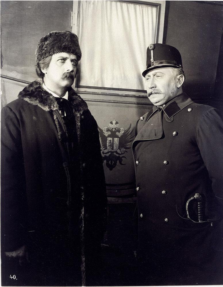 Karel Havlíček Borovský zroku 1931. František Smolík jako perzekvovaný novinář, Marvan vroli komisaře Dedery.