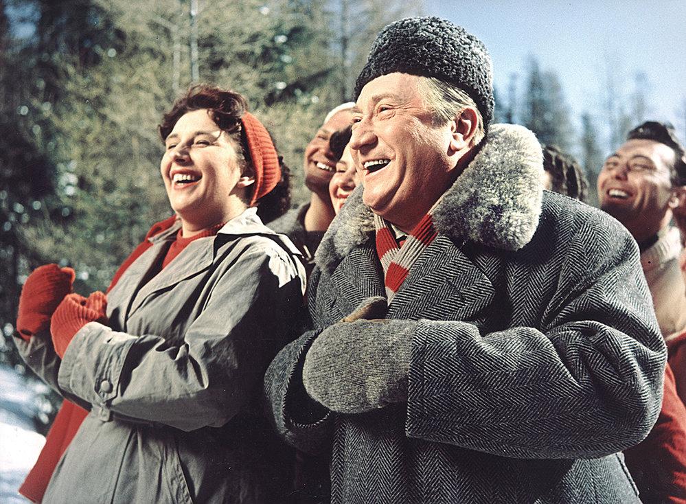 Anděl nahorách (1955). Podle seriálu Bohéma byl nerudný chlapík naodborářské rekreaci původně nápadem Vlasty Buriana. Tomu ovšem vté době nebylo přáno.