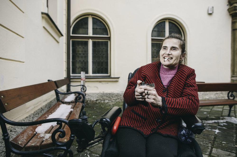 Martina Kafková trpí roztroušenou sklerózou, díky které má ochrnutá střeva. Konopí potřebuje stejně, jako zdraví lidé vzduch.