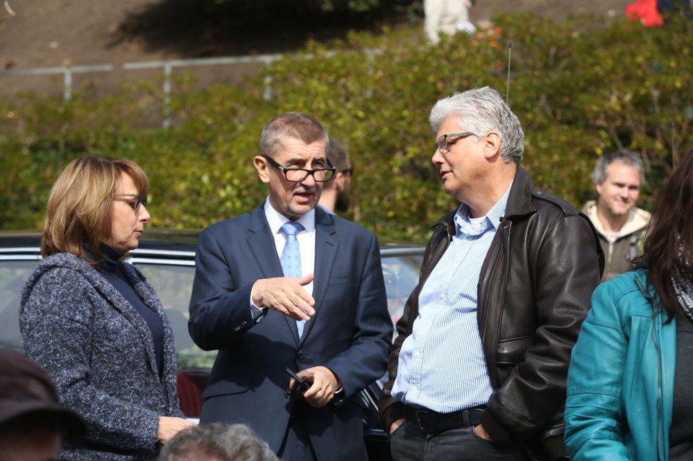 Primátorka Adriana Krnáčová (ANO), ministr financí Andrej Babiš (ANO) a ministr zdravotnictví Miroslav Ludvík (ČSSD)