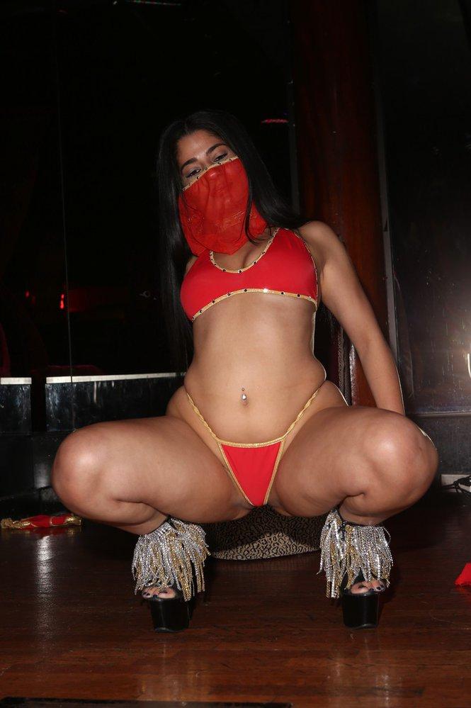Nadia Ali má striptýz ráda.