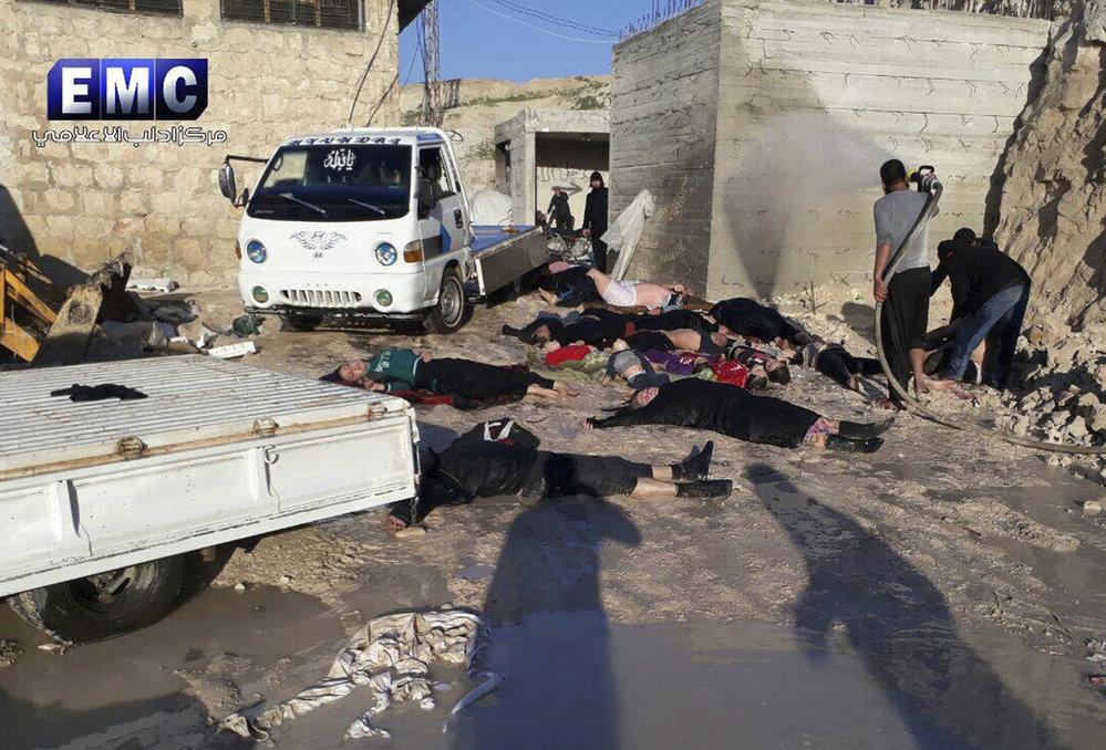 Letecký útok v syrské provincii Idlib si v úterý vyžádal nejméně 58 obětí, včetně 11 dětí. Desítky dalších lidí byly zraněny.