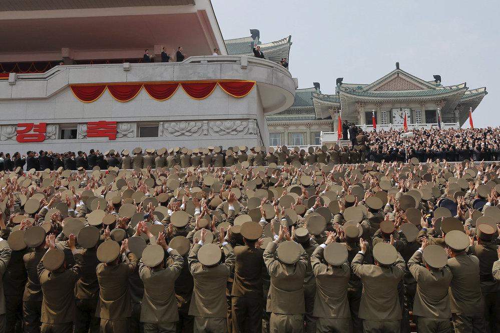 Severokorejské oslavy 105. výročí narození diktátora Kim Ir-sena
