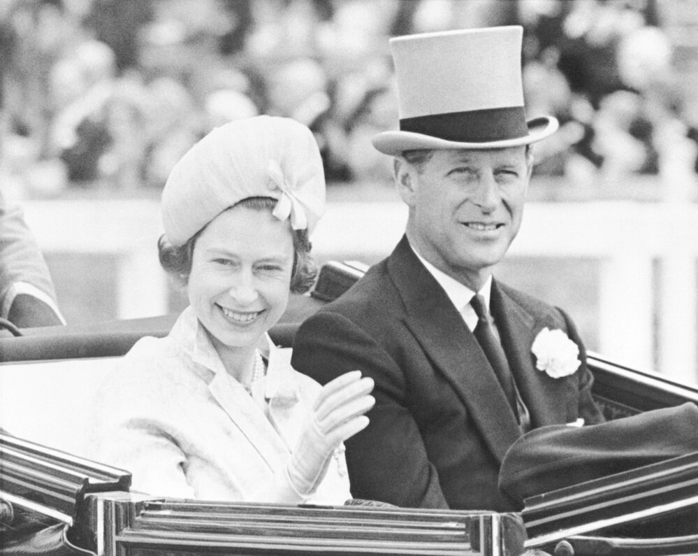 Královna Alžběta s manželem princem Filipem.