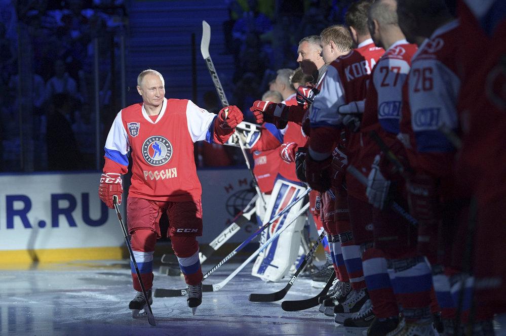 Ruský prezident Vladimir Putin si zahrál hokej