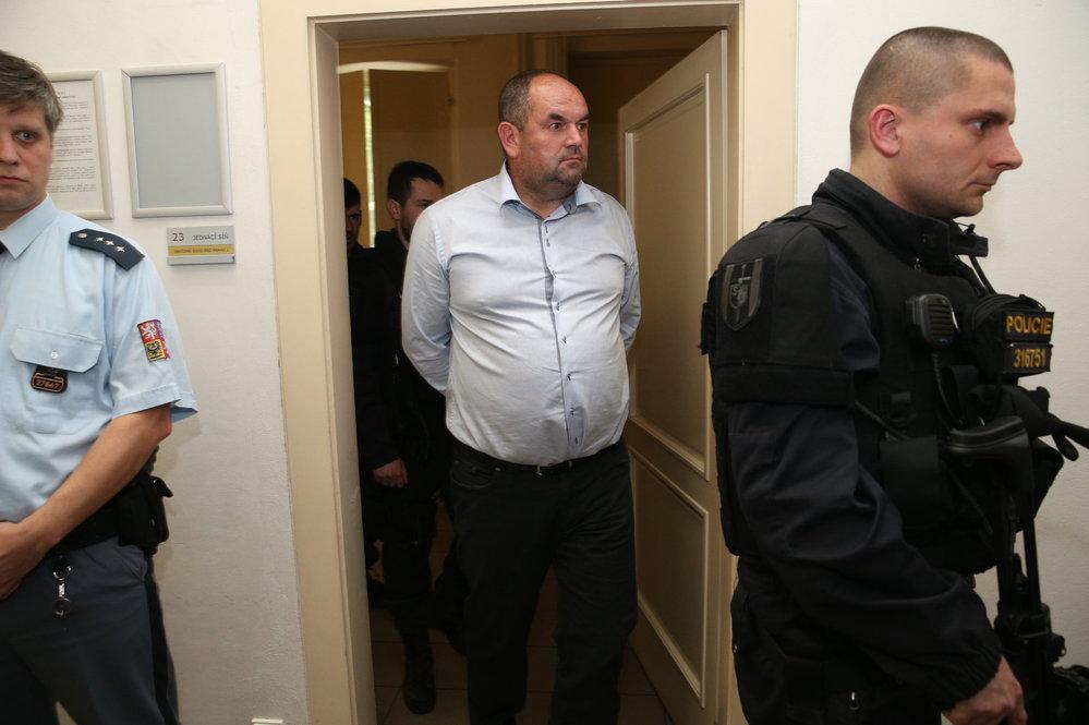 Miroslav Pelta je kvůli dotacím už týden ve vazbě. Zdravotně to však nezvládá.