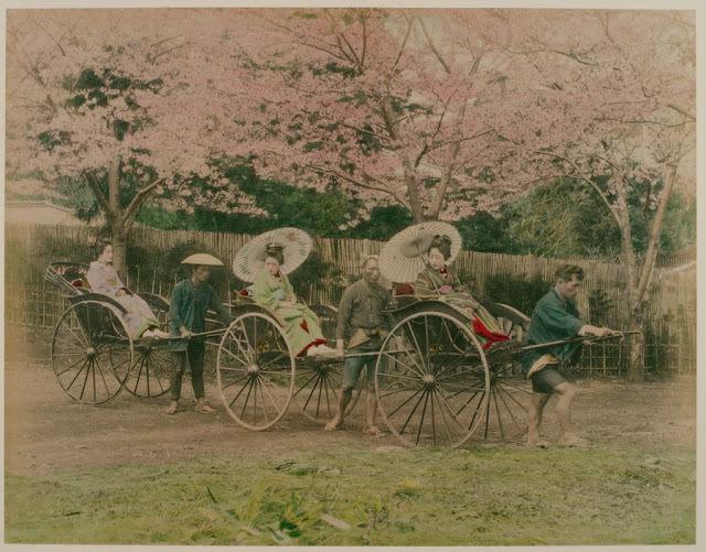 Takto se v zemi vycházejícího slunce cestovalo na začátku 20 století.