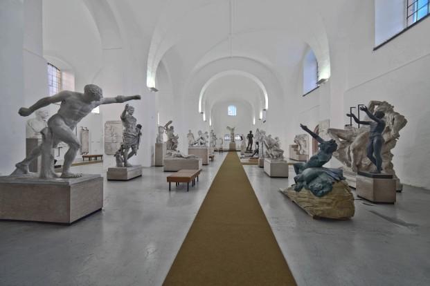Galerie antického umění ve františkánském klášteře v Hostinném
