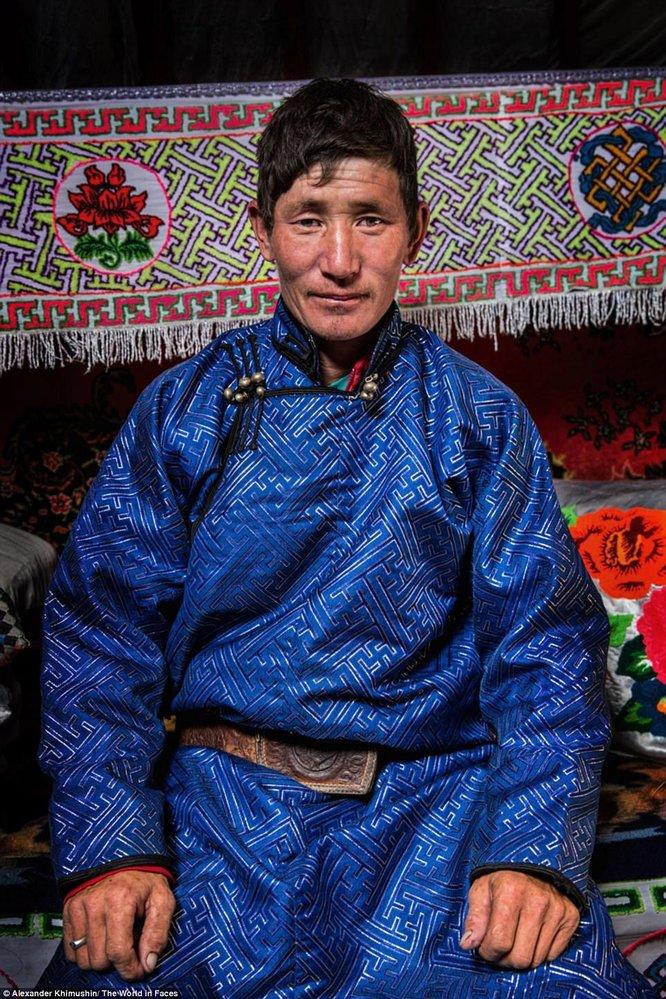 Muž z národa Tuvinců. Část z nich žije také v Mongolsku a Číně. Většina ale v Rusku.