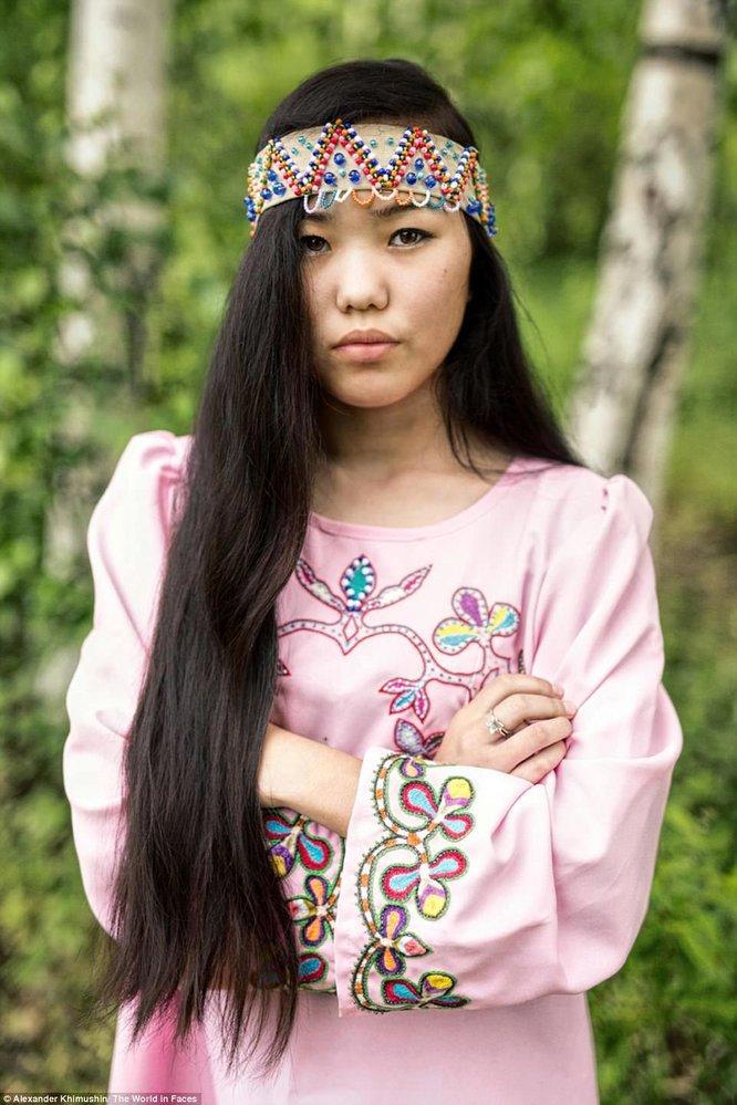 Tato dívka pochází z národa Negidalů, kterých je kolem 500.