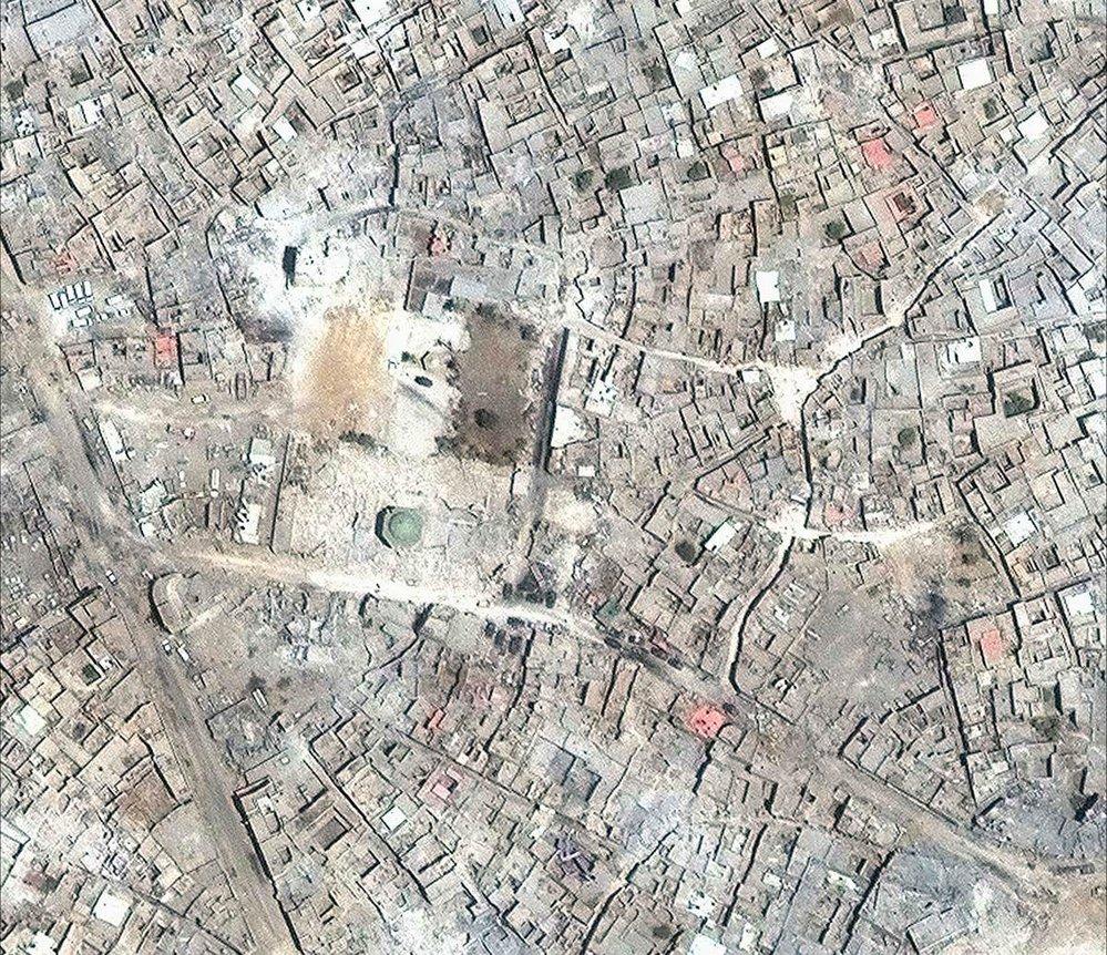 Zkáza Mosulu: fotografie před boji a po nich
