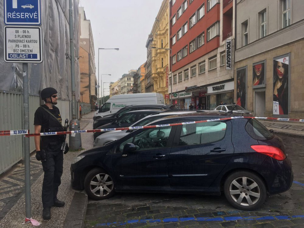 V Opletalově ulici mělo dojít k přepadení.