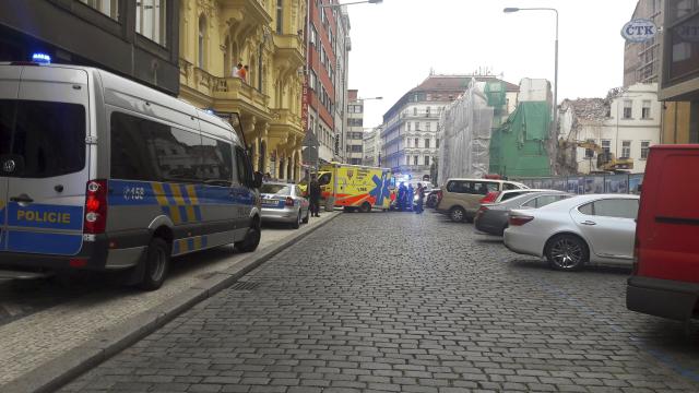 V  Opletalově ulici došlo k přepadení obchodu se zbraněmi.